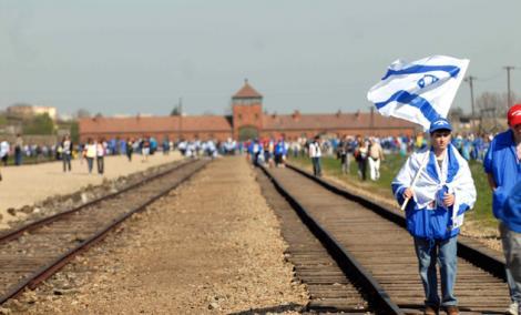 Polonia: 8000 de oameni la marsul International al Vietii, un omagiu adus evreilor