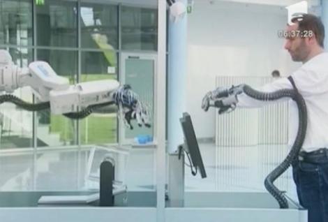 VIDEO! Manusa-robot, marea atractie la targul de tehnologie de la Hanovra