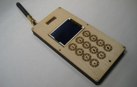 A fost creat primul telefon din lemn!
