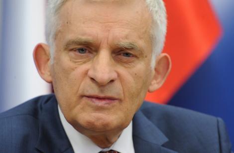 Fostul presedinte al Parlamentului European, Jerzy Buzek, internat in spital
