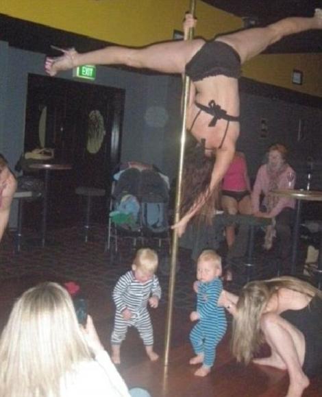 FOTO! Vezi ce au facut cu copiii parintii iresponsabili din lume!