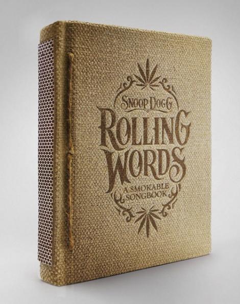 Snoop Dogg va lansa o carte care se fumeaza