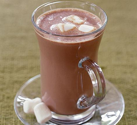 Desert: Ciocolata calda Deluxe cu bezele