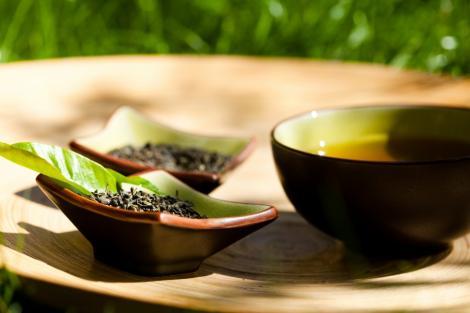 Ceaiul verde ajuta la vindecarea arsurilor solare