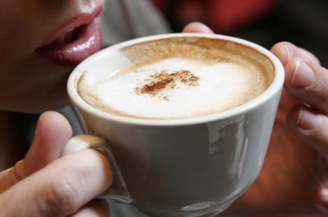 Un consum moderat de cafea te poate ajuta sa traiesti mai mult