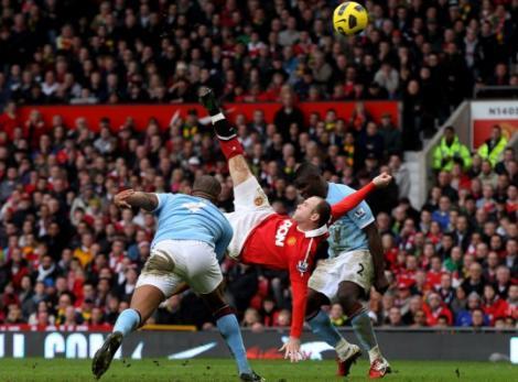 """VIDEO! """"Foarfeca"""" lui Rooney contra lui City, cel mai frumos gol din istoria Premier League"""