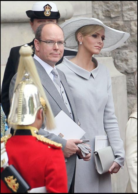 Printesa Charlene de Monaco, deprimata ca nu-si poate parasi sotul
