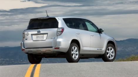 Toyota isi extinde gama de electrice cu noul RAV4 EV
