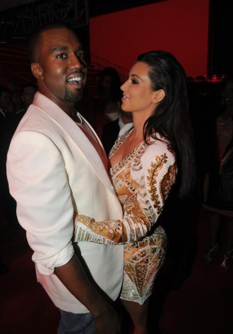 FOTO! Kim Kardashian i-a facut lui Kanye West un cadou de 750.000 de dolari!