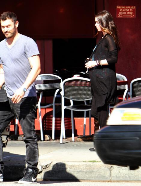 FOTO! Megan Fox este insarcinata. Afla aici cand va deveni mamica!