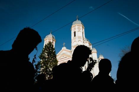 Crestinii ortodocsi sarbatoresc astazi Rusaliile