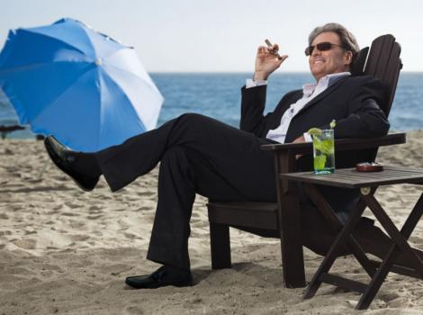 VIDEO! Turistii de la Cannes nu vor mai avea voie sa fumeze pe plaja