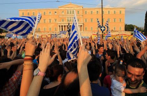 """Austeritate: Grecia strange cureaua cu 11,5 miliarde euro pentru a ramane sub protectia """"troicii"""""""