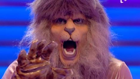 """Ghicitoare! Cine e """"hiena"""" din spatele acestui leu!?"""