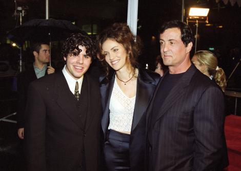 "Sylvester Stallone: ""Va rog umil sa lasati sufletul copilului meu sa se odihneasca in pace"""