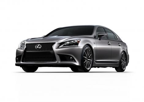 Primele imagini: Noul Lexus LS se infurie
