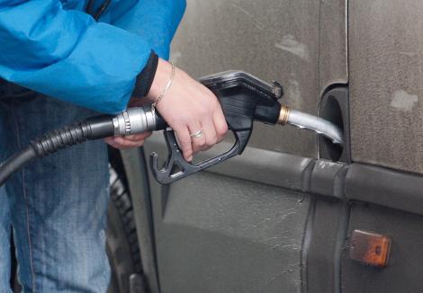 Petrom a scumpit din nou carburantii!