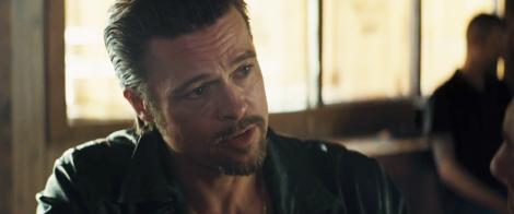 Uite ce sexy este Brad Pitt la 49 de ani!