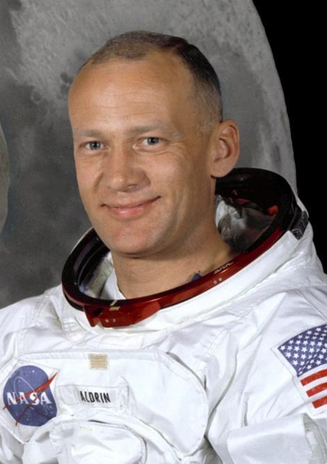 """Buzz Aldrin, al doilea om care apus piciorul pe Luna: """"Ne va fi dor de un mare lider!"""""""