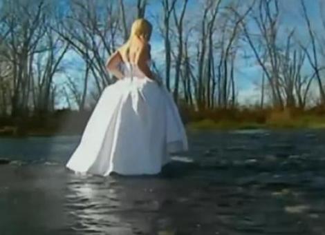 TRAGEDIE! O mireasa din Canada s-a inecata in timpul sedintei foto de dupa nunta
