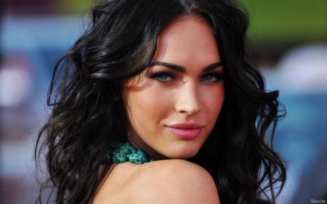 Dovada ca Megan Fox nu si-a facut operatii estetice!