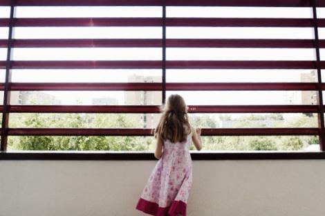 """Amenintarea unui parinte: """"Intr-o noapte te voi arunca de la balcon si voi spune politiei ca ai alunecat"""""""