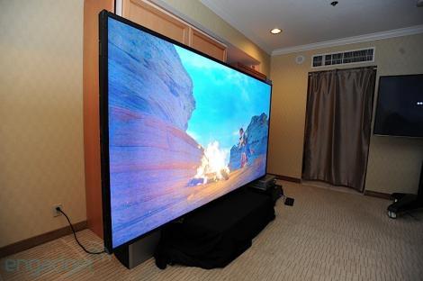 Americanii au lansat televizorul de 300.000 de dolari