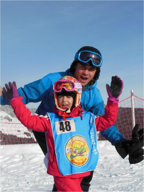 Fetita lui Razvan Simion a invatat sa schieze