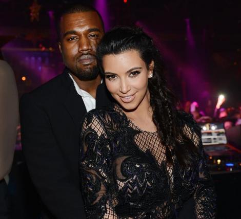 Kim Kardashian si Kanye West s-au logodit! Rapper-ul i-a oferit un inel cu diamante de 15 carate