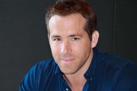 Ryan Reynolds a primit o lumanare aniversara uriasa: Statuie din ceara la Madame Tussauds