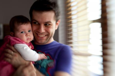 Daniel Osmanovici modereaza un atelier pentru tatici la Targul Baby Boom