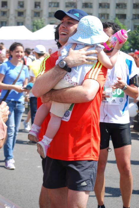 Duminica, Daniel Osmanovici trece de la stiri la maraton