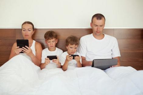 Noutăţile din tehnologie şi comunicaţii - impact asupra copiilor