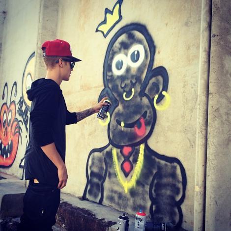 Justin Bieber riscă închisoarea pentru că a făcut graffiti în Brazilia