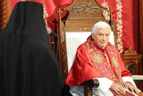 """Discursul de retragere al papei Benedict al XVI-lea: """"Puterile mele nu mai sunt capabile sa exercite in mod adecvat ministerul petrianian"""""""