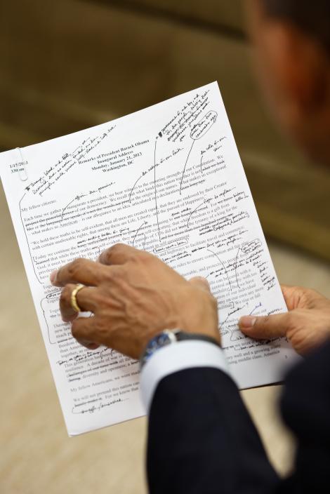 Asa arata un discurs al lui Barack Obama! Presedintele SUA face modificari pe text!