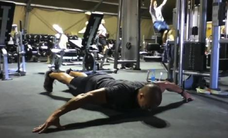 VIDEO: Daca tii la dintii tai, NU incerca asa ceva! 44 de exercitii incredibile