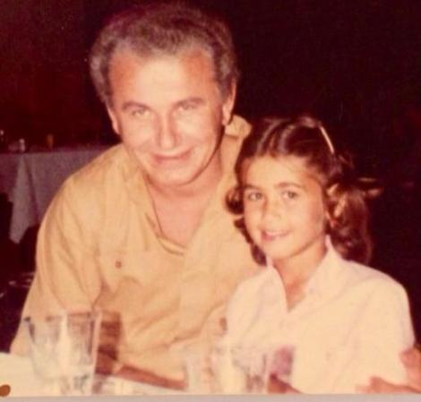 Fotografie draga sufletului ei: Fetita Oana Zavoranu, in bratele tatalui