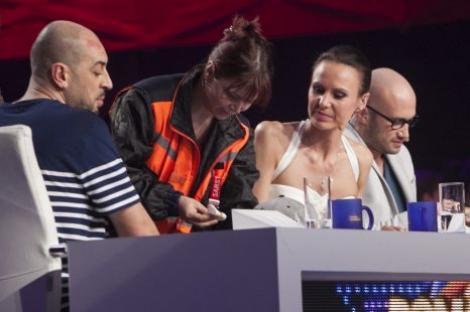 Romania Danseaza | CRBL, ranit din cauza unei pustoaice de 16 ani... Jessica Alba!!!