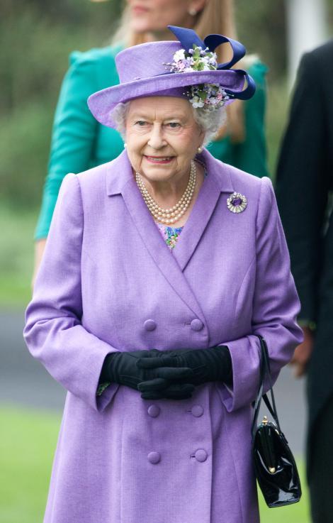 Regina Marii Britanii a petrecut o jumatate de ora alaturi de primul sau stranepot
