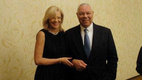 Fostul secretar de stat Colin Powell si europarlamentarul Corina Cretu au avut o aventura? Oficialul american neaga orice relatie amoroasa