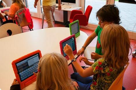 "Steve JobsSchools: ""iPadizarea"" scolilor in Olanda"