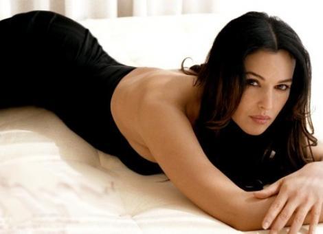 Monica Bellucci iubeste din nou. Un afacerist milionar i-a furat inima frumoasei actrite!