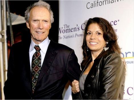 Dupa 17 ani de casnicie, Clint Eastwood a divortat! Fotografie inedita cu celebrul actor