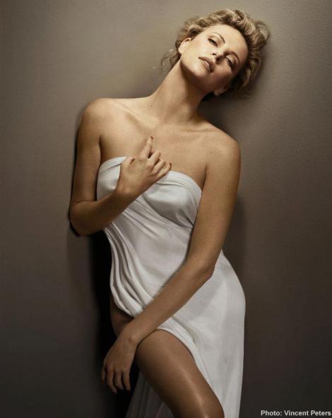 FOTO! O sud-africana cu personalitate si sex-appeal: Charlize Theron implineste astazi 38 de ani!