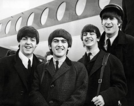 Veste buna pentru fanii Beatles! BBC lanseaza un album care contine 37 de piese in premiera ale trupei