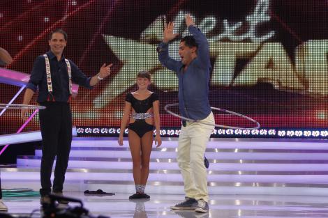 Lectii de hula hoop la Next Star, in aceasta seara, de la 20.30, doar la Antena 1!