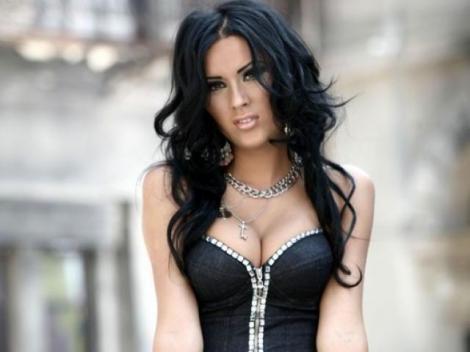 VIDEO! Daniela Crudu a oferit scene fierbinti la petrecerea de lansare a grilei de toamna la Antena 1