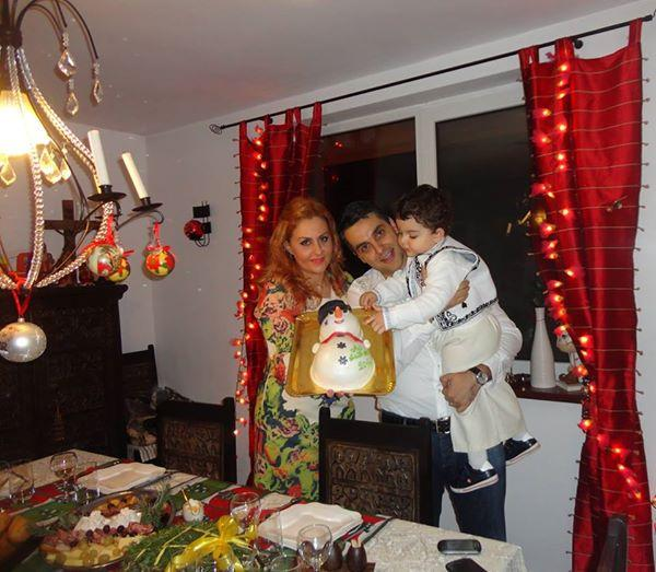 FOTO! O mândrie de copil! Băieţelul Oanei Turcu a întâmpinat Anul Nou îmbrăcat în port popular!