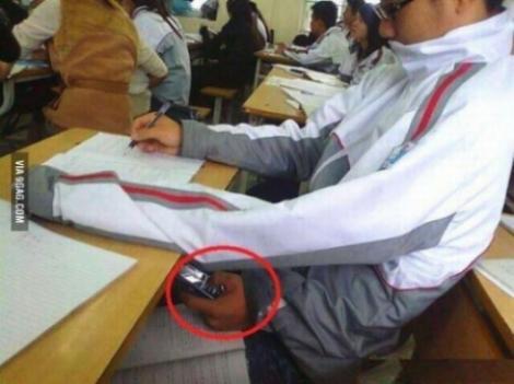 Aceasta este cea mai bună metoda de COPIAT la examene!